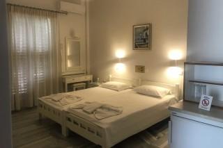 accommodation irene hotel bedroom