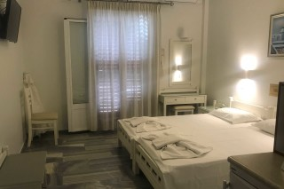 accommodation irene hotel room