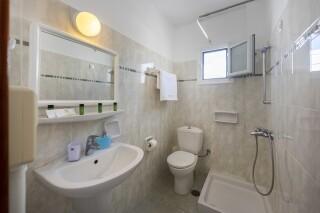 rooms irene hotel paros bathroom