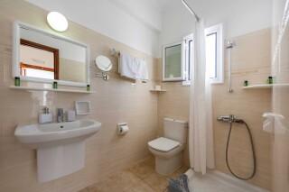 studios irene hotel paros bathroom