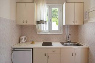 studios irene hotel paros kitchen