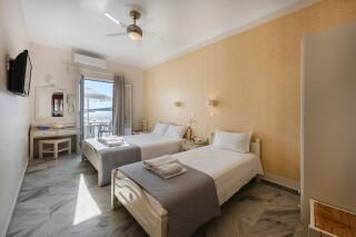studios irene hotel paros triple room (2)