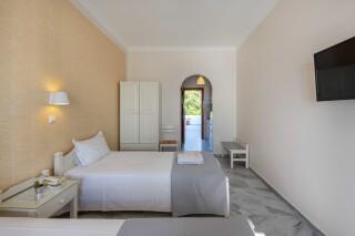 studios irene hotel paros triple room